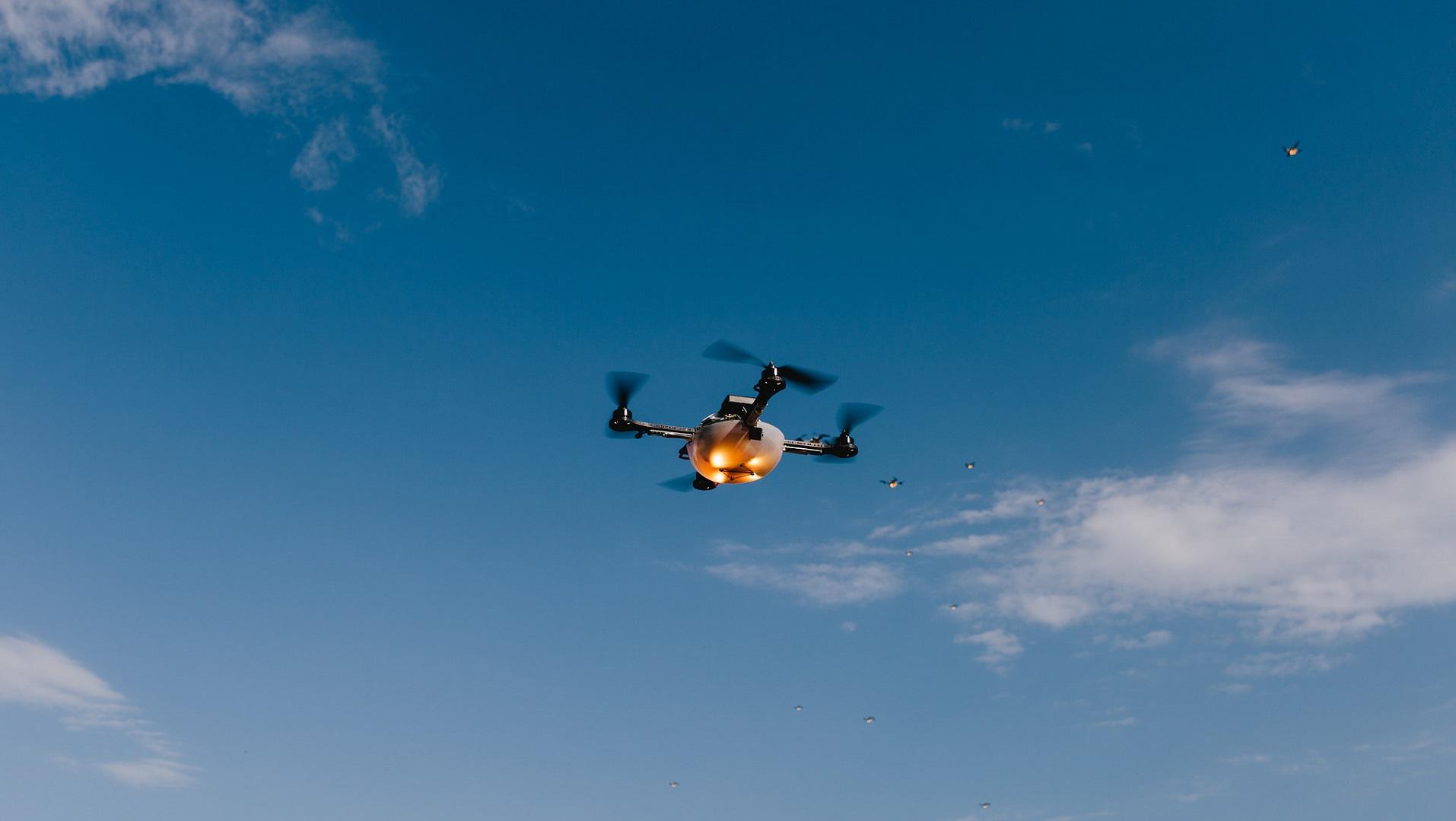 Microsoft ya está entrenando la IA de sus drones para volar
