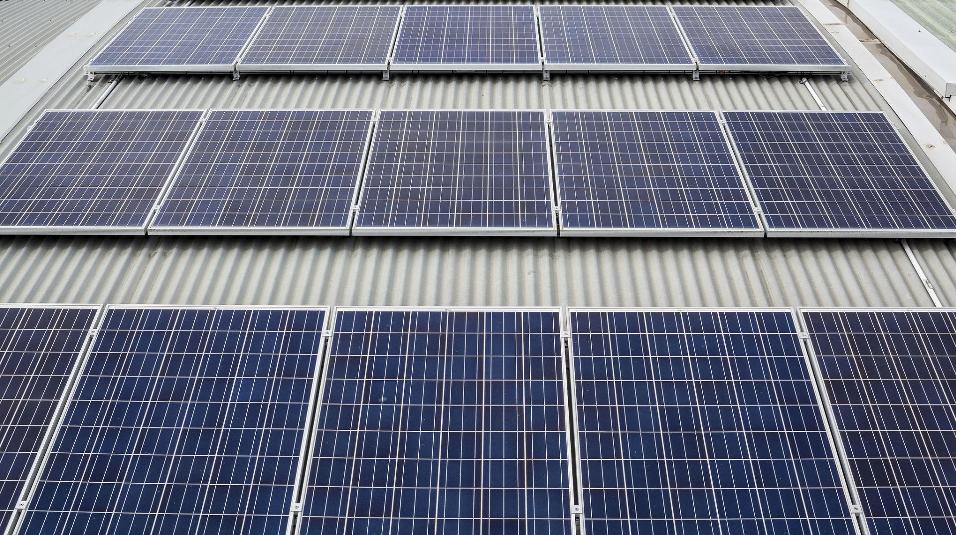 Paneles solares flexibles para incrementar la autonomía de los drones