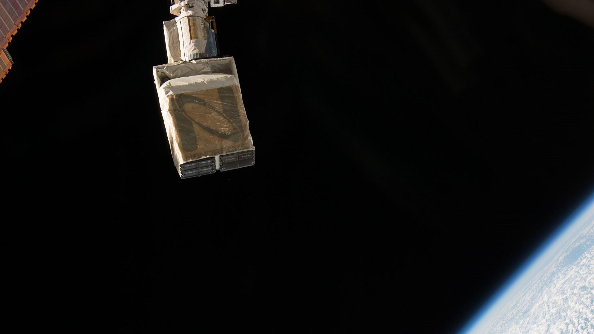 Estas adolescentes han diseñado en África un satélite privado