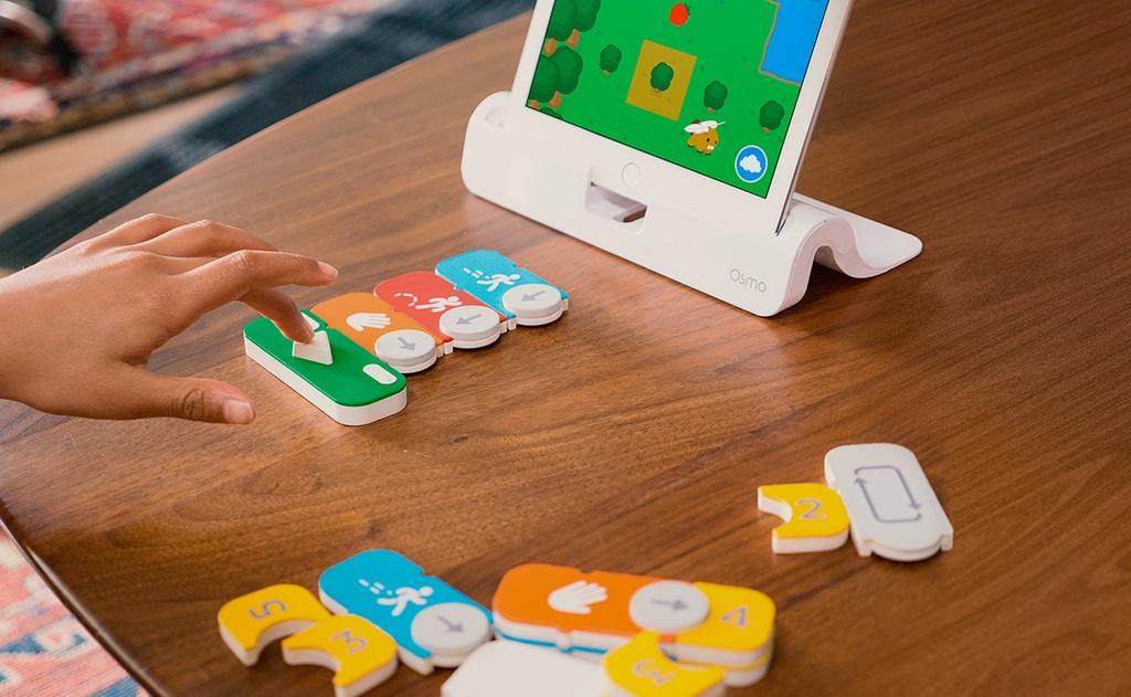 Juguetes para aprender a programar desde niño en casa o en la escuela