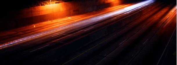 Conducción nocturna y con lluvia: así debe comportarse un coche autónomo