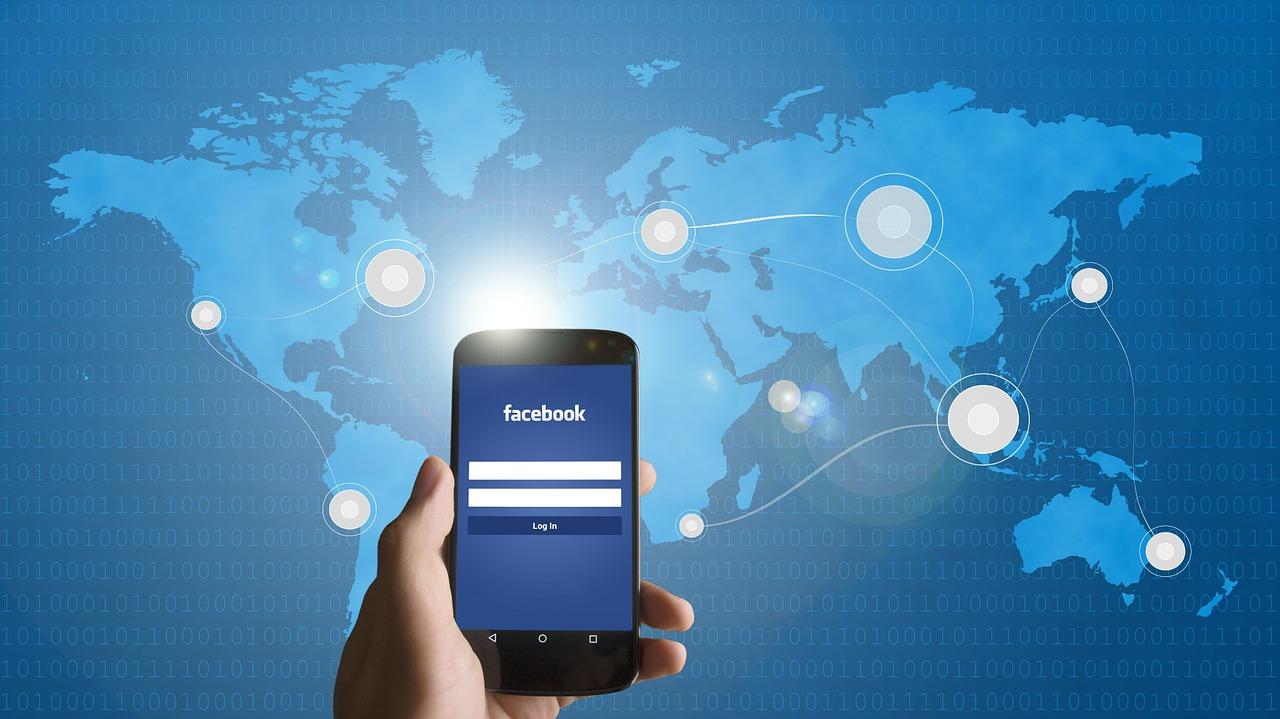Facebook presenta sus cuentas en mitad de un nuevo escándalo