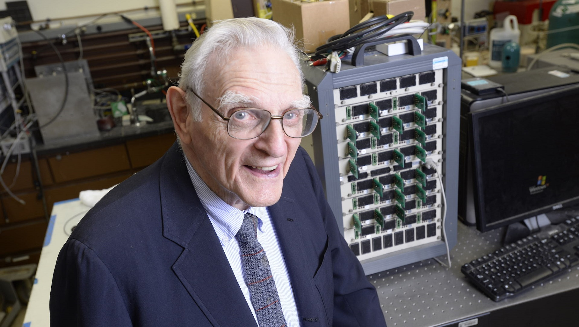 Uno de los creadores de la batería de ion-litio vuelve a inventar a sus 94 años
