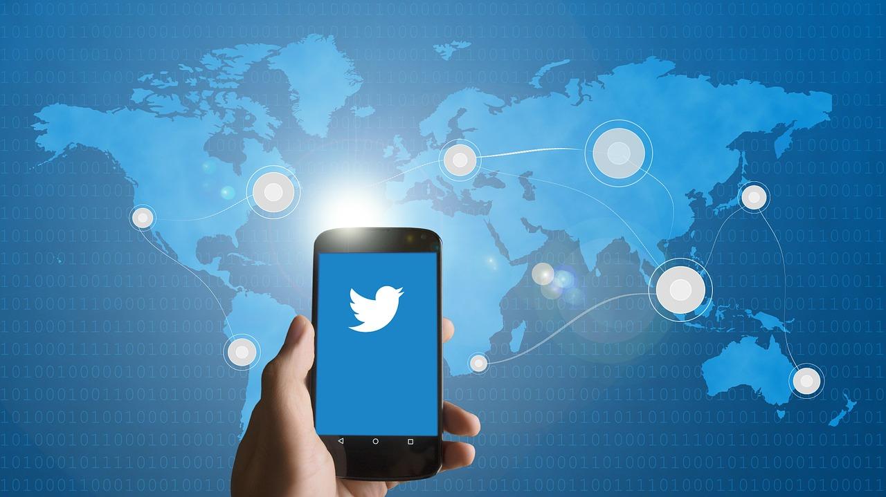 Twitter estabiliza su situación y vuelve a ganar dinero