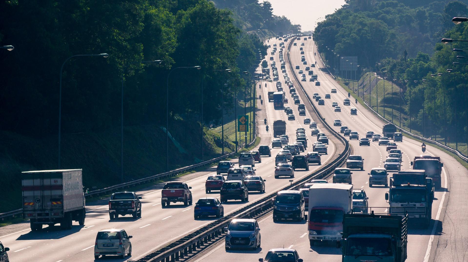 El futuro del empleo: de camionero a gestor de flotas de camiones autónomos