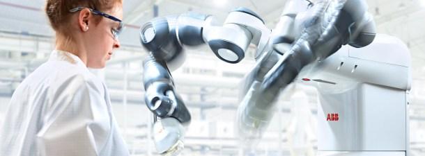 En Singapur los robots dispensan medicamentos para evitar colas en la farmacia