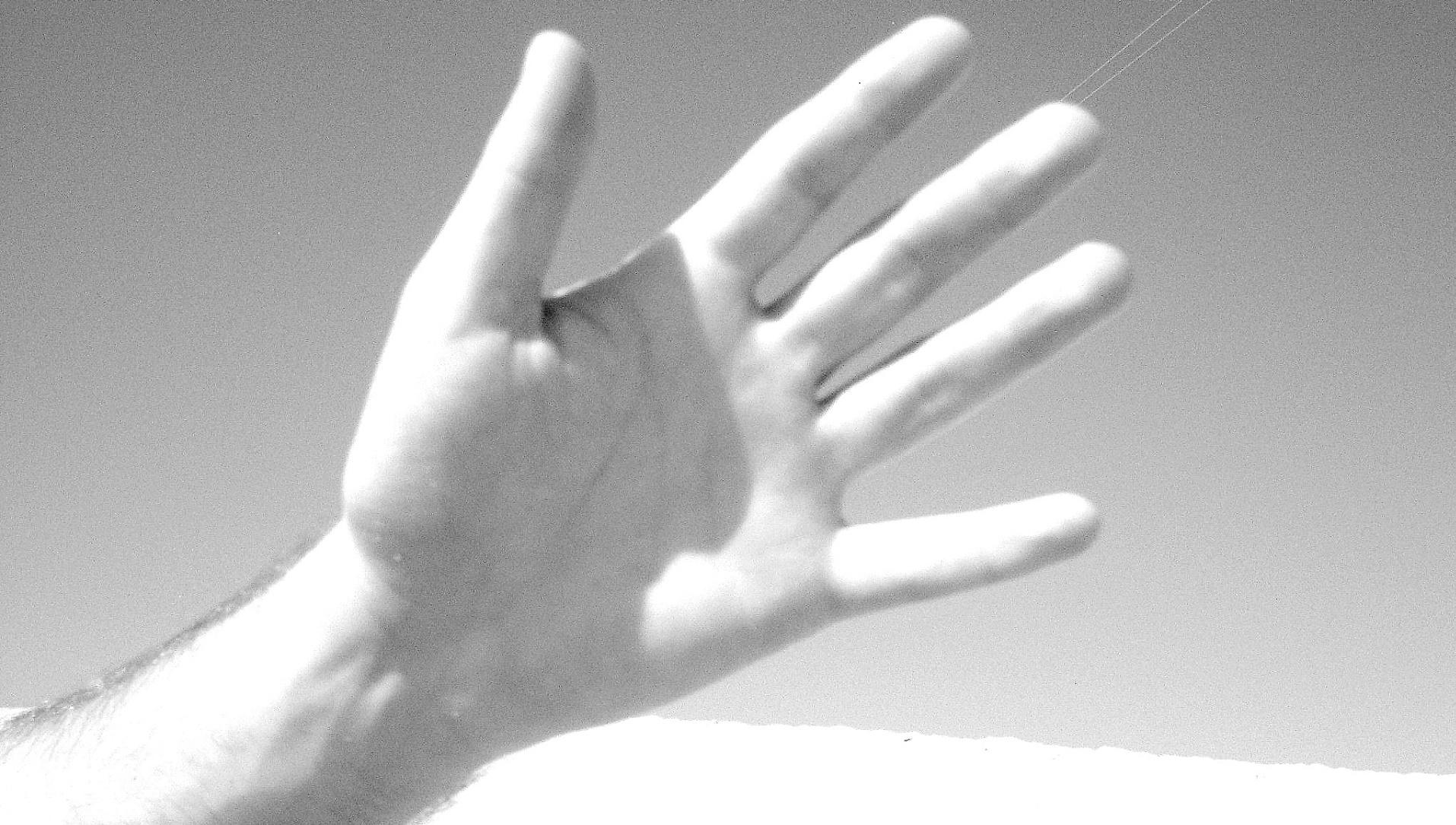 Desarrollan una mano artificial con reconocimiento de objetos
