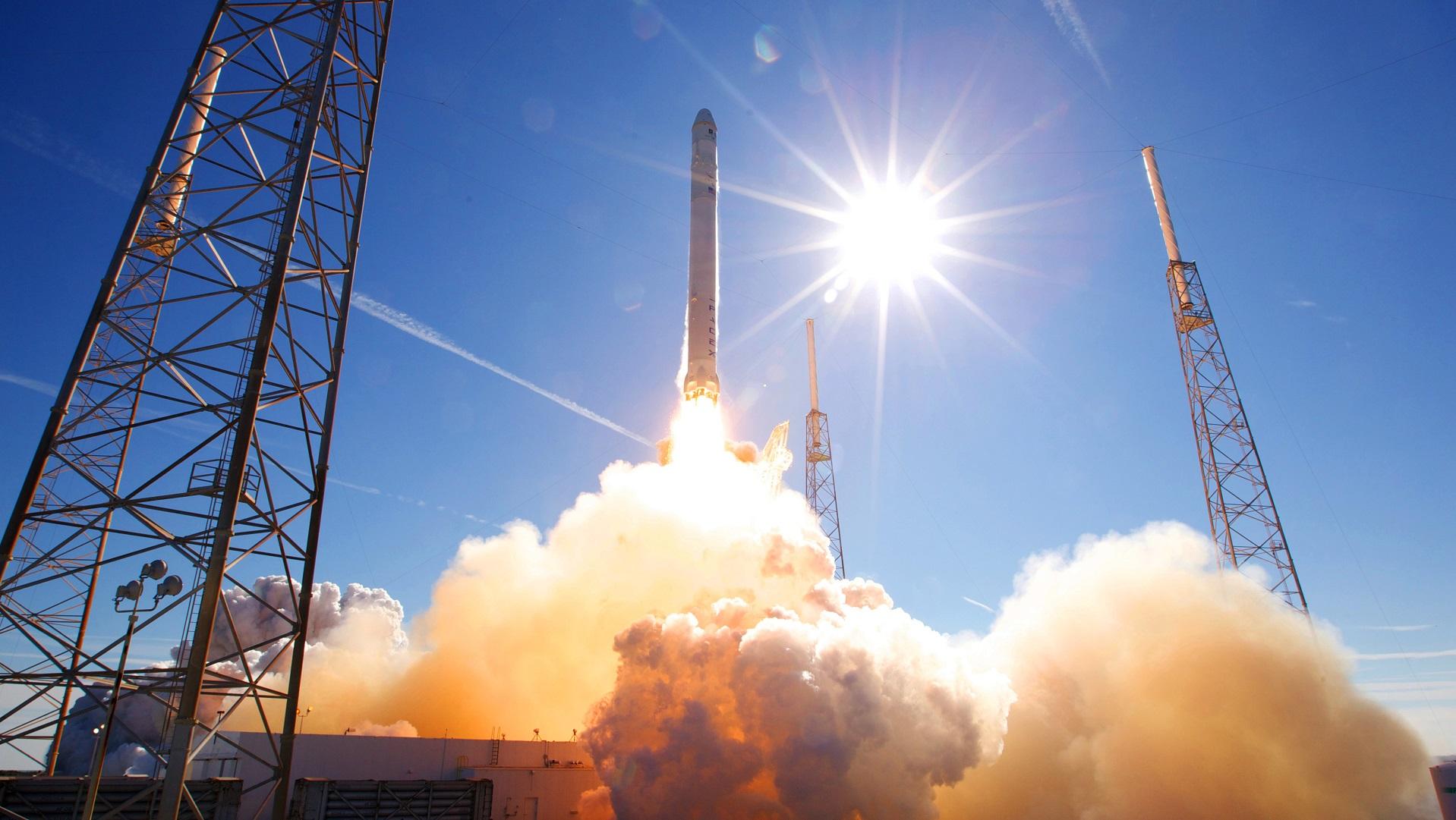 SpaceX vuelve a hacer historia lanzando una cápsula Dragon reciclada