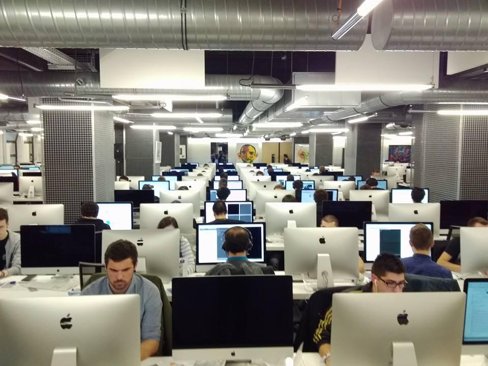 """Sin profesores y gratis, así es la escuela de programación francesa """"42"""""""