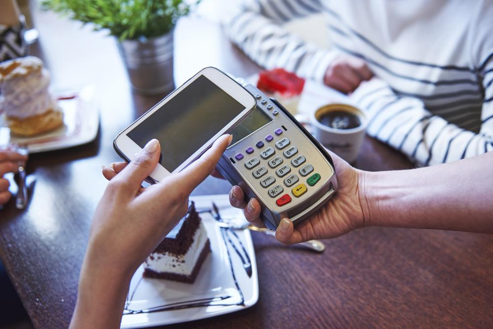 Esta ronda la pago yo con mi Smartphone y Android Pay