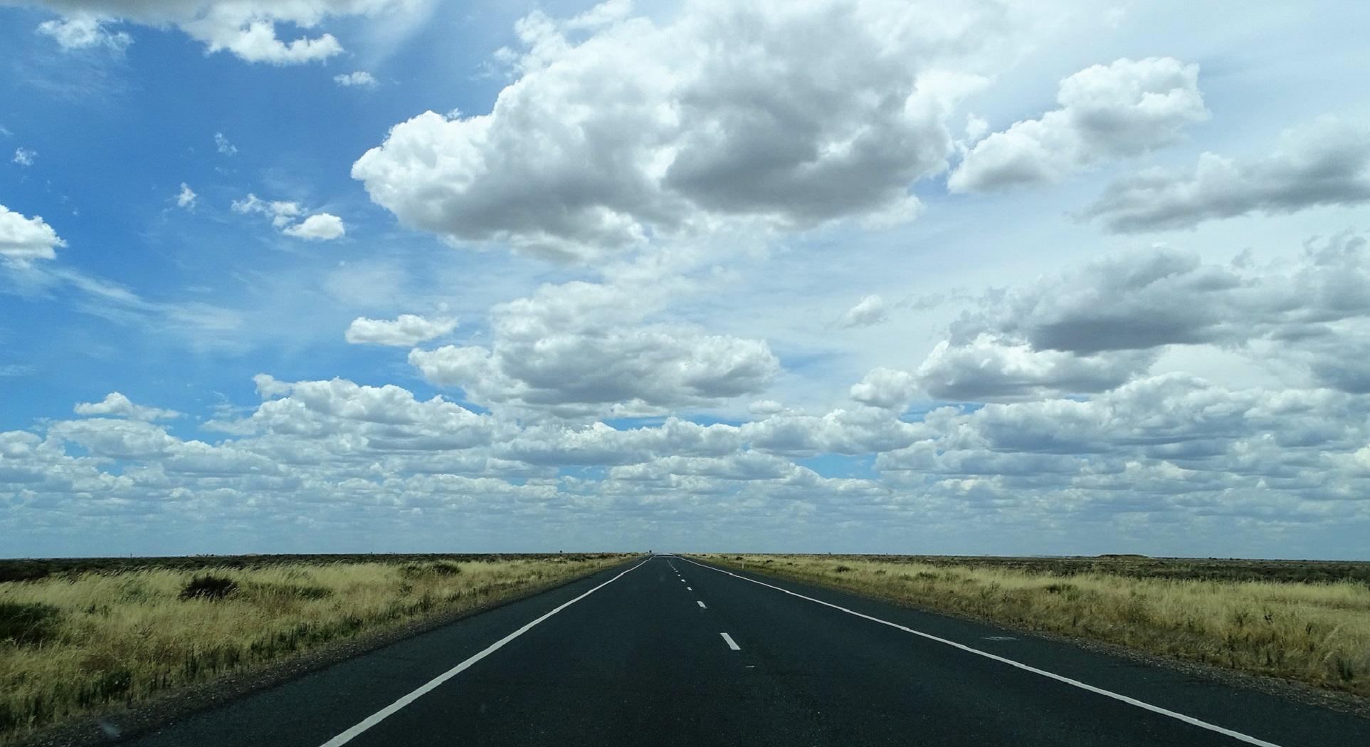 Australia construirá una autopista de 2.000 Km adaptada para coches eléctricos