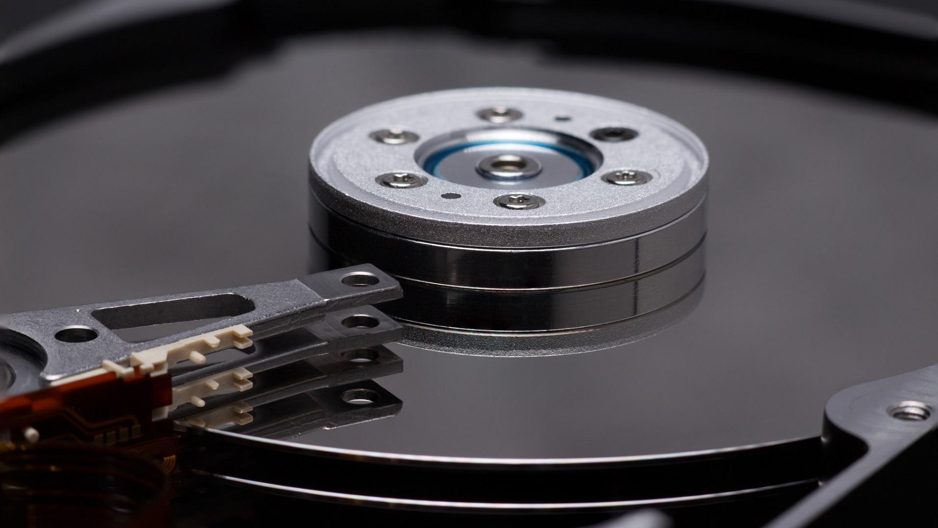 Científicos de IBM logran nuevo récord de almacenamiento en cinta magnética