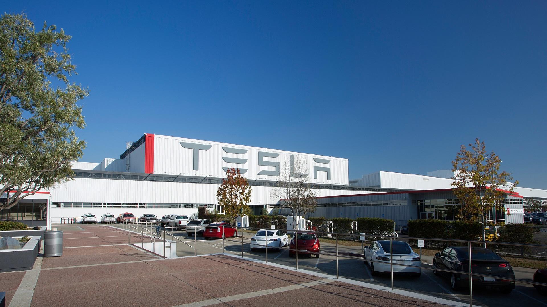 Elon Musk explica más detalles sobre los coches compartidos de Tesla