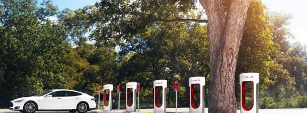 Así es el servicio de reparación a domicilio de Tesla