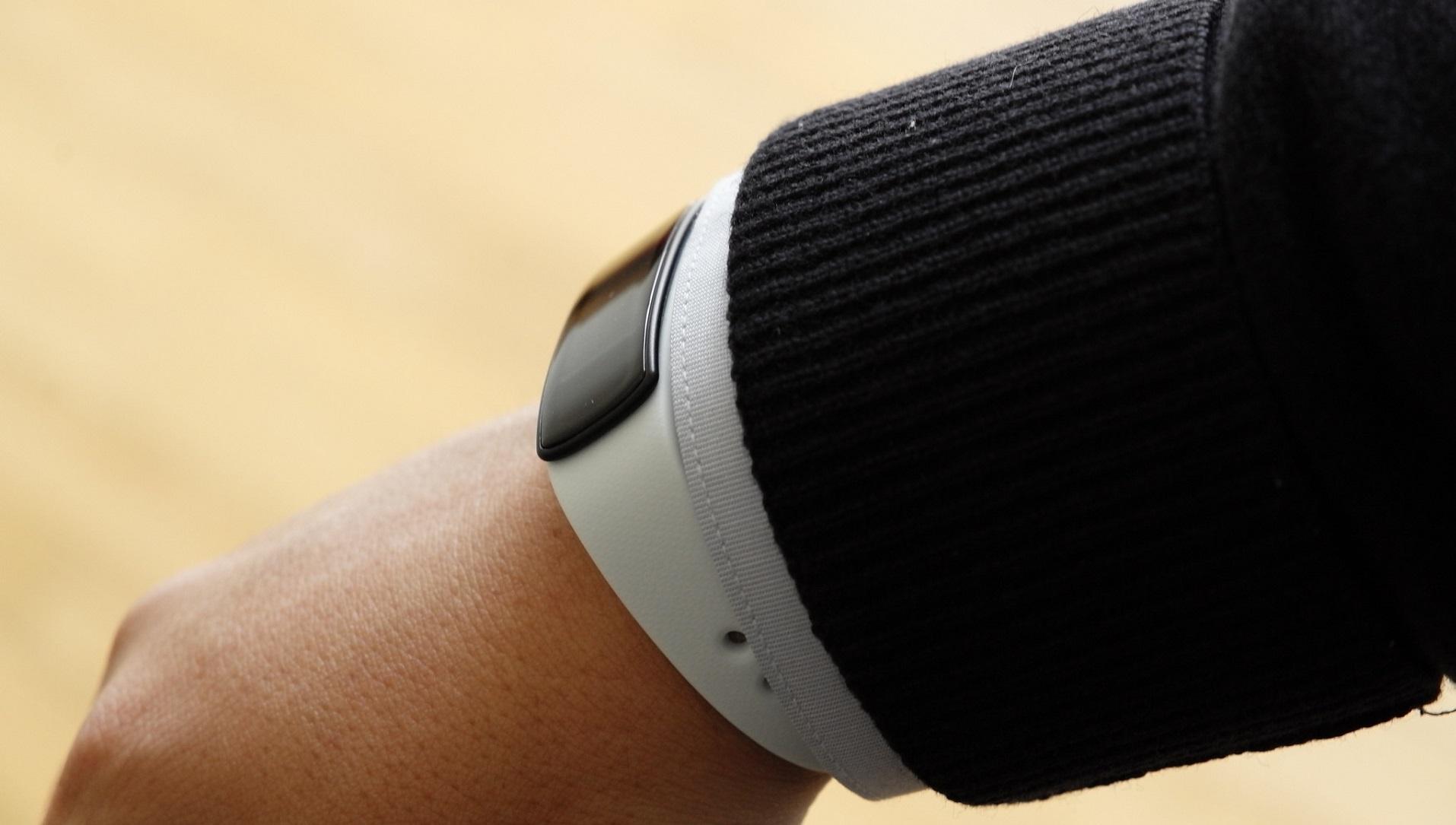 Esta pulsera obtiene energía de tu cuerpo para impulsar los wearable