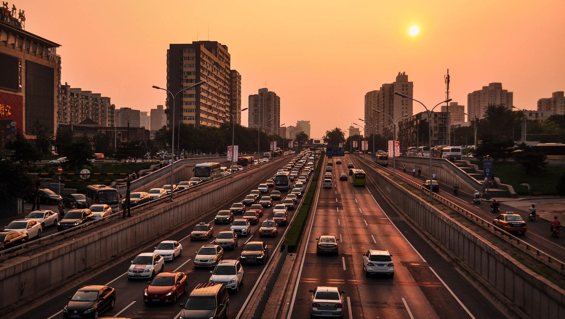 China se plantea prohibir la venta de coches de gasolina y diésel