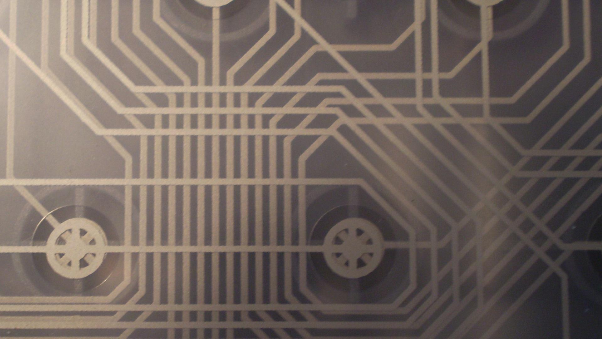 Estos circuitos electrónicos ultrafinos se pegan a tu piel