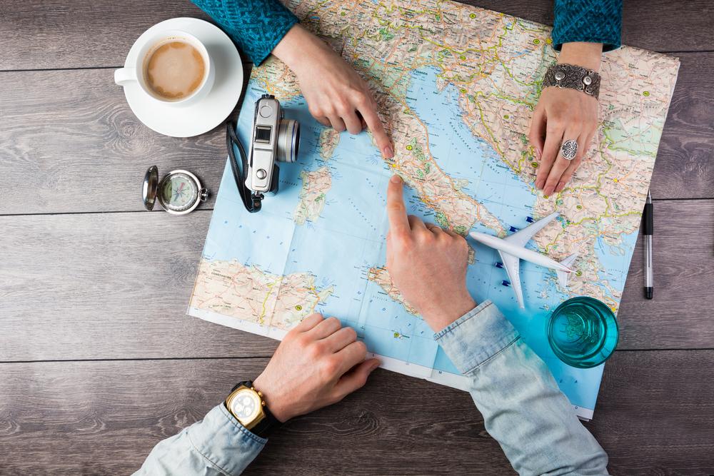 7 curiosas apps para viajar por el mundo con tu smartphone en mano