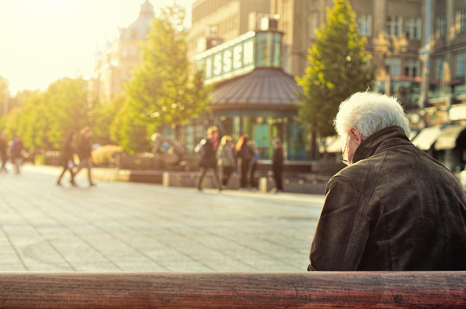 Una aplicación estima el riesgo de caída en personas mayores