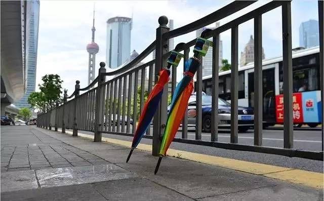 Así funcionan los paraguas compartidos en China
