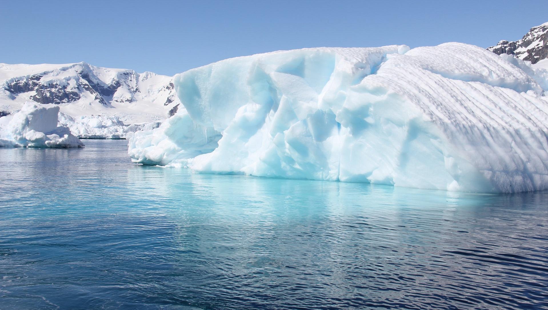 Una flotilla de drones marinos navegará bajo el hielo antártico
