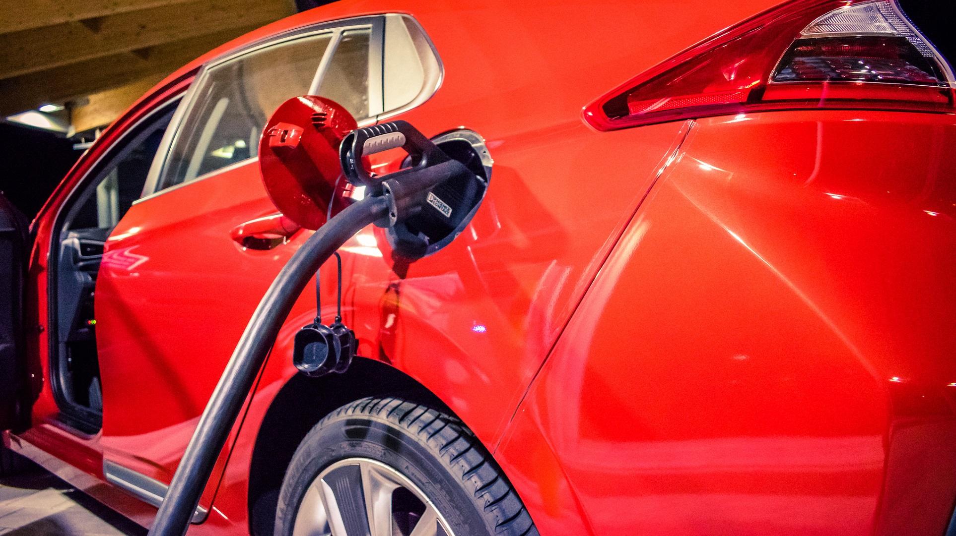 El 52% de los coches que se venden en Noruega son híbridos o eléctricos