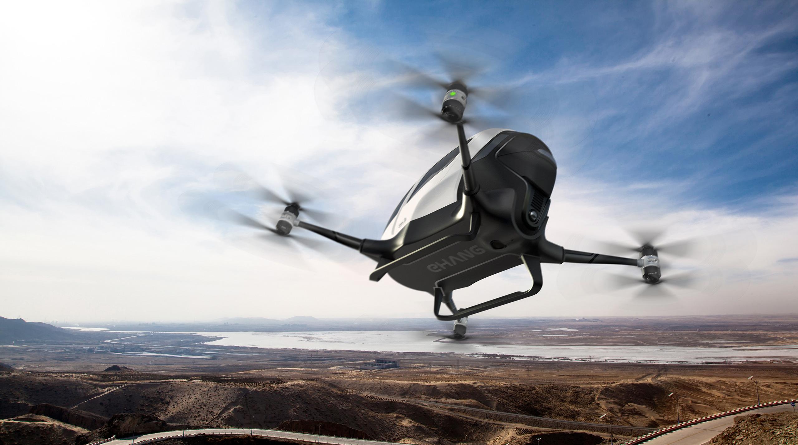 Levantar la mano y pedir drones taxi para dos personas