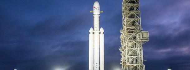 SpaceX lanza con éxito su Falcon Heavy: el cohete más potente del mundo