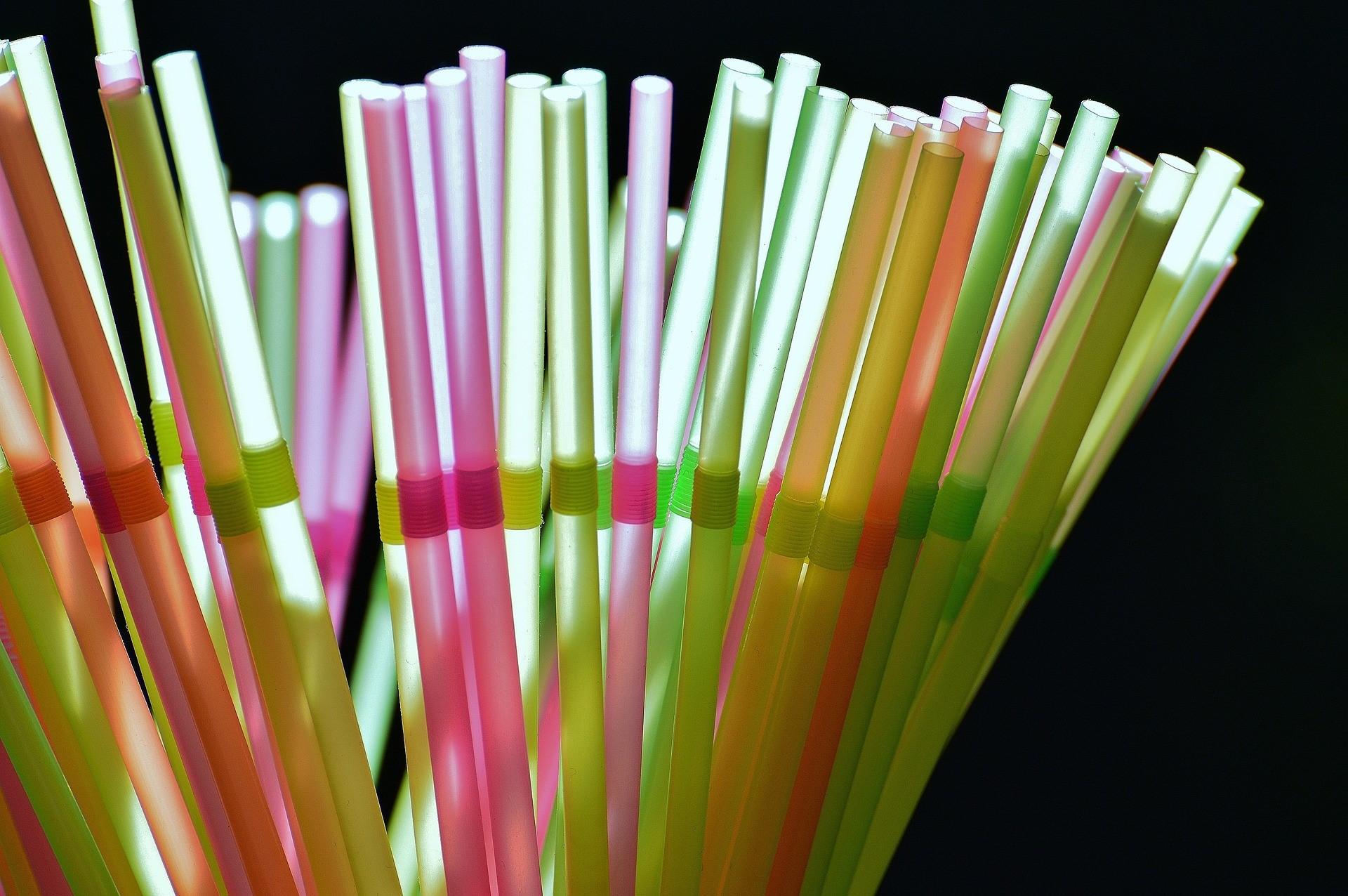 Escocia tiene previsto prohibir las pajitas de plástico a finales del próximo año
