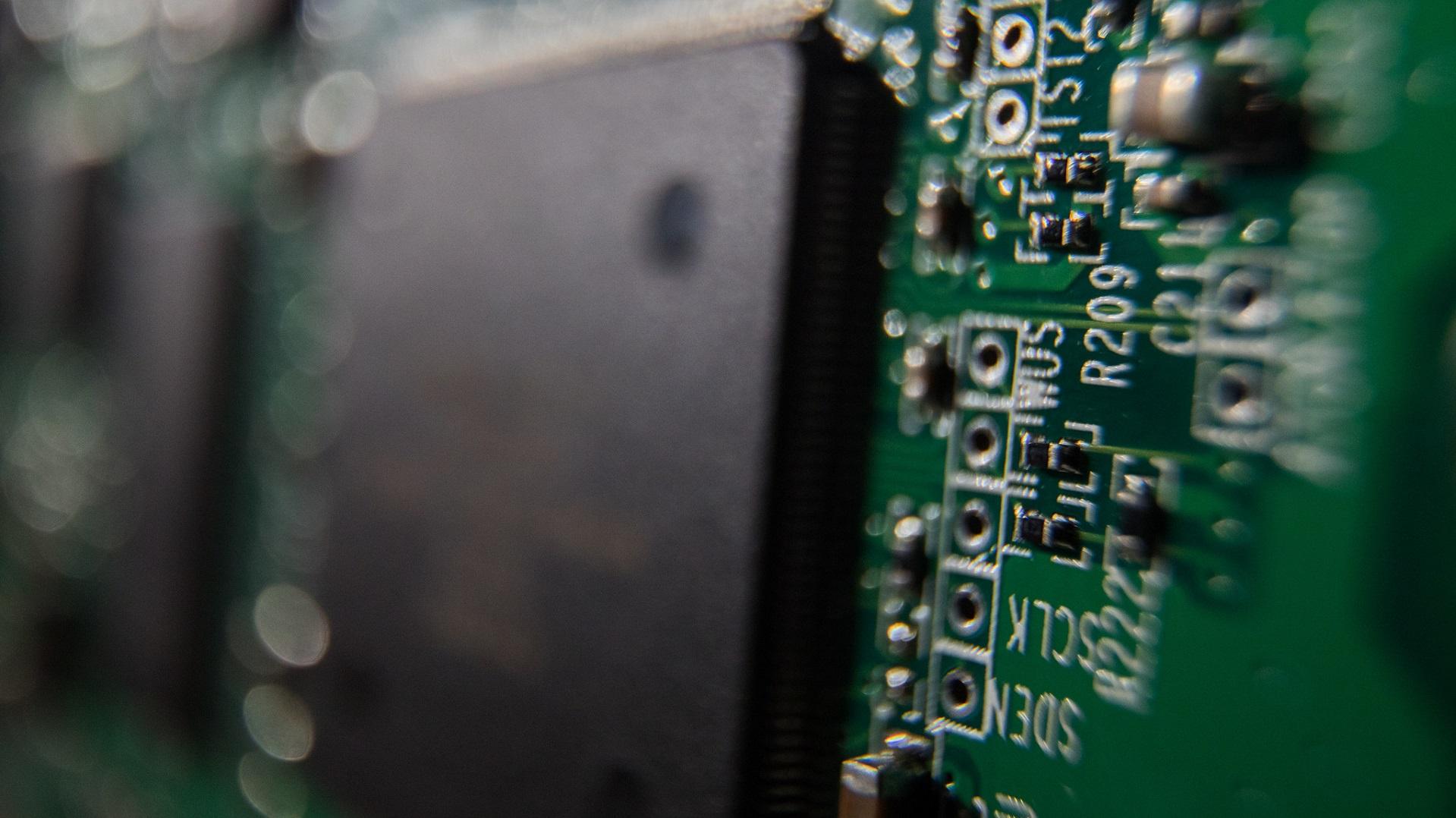 El mayor disco SSD del mundo llega a 100 TB