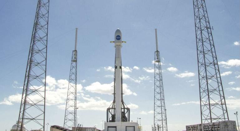 Space X cumple 50 lanzamientos del Falcon 9 con un satélite Hispasat