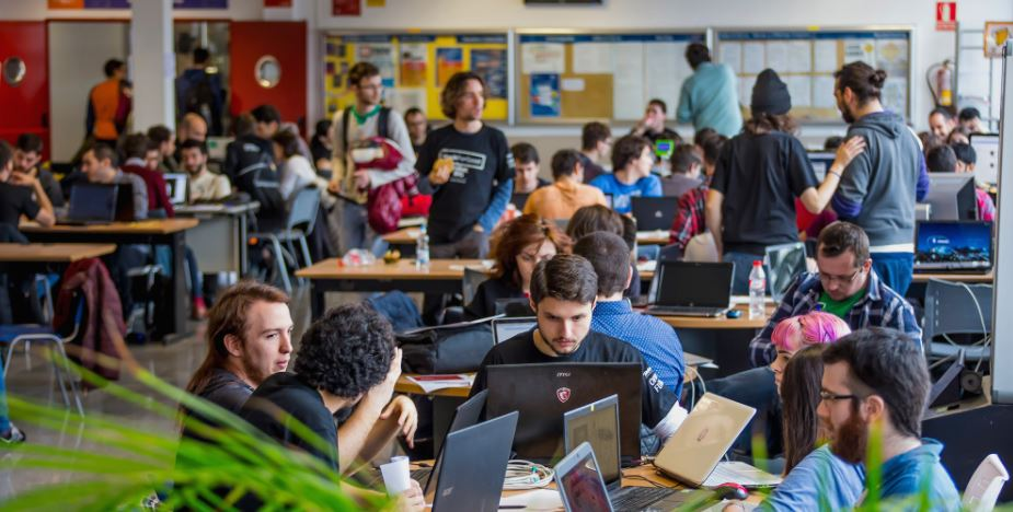 Más de 1.500 jóvenes participan en la sexta edición de HackForGood
