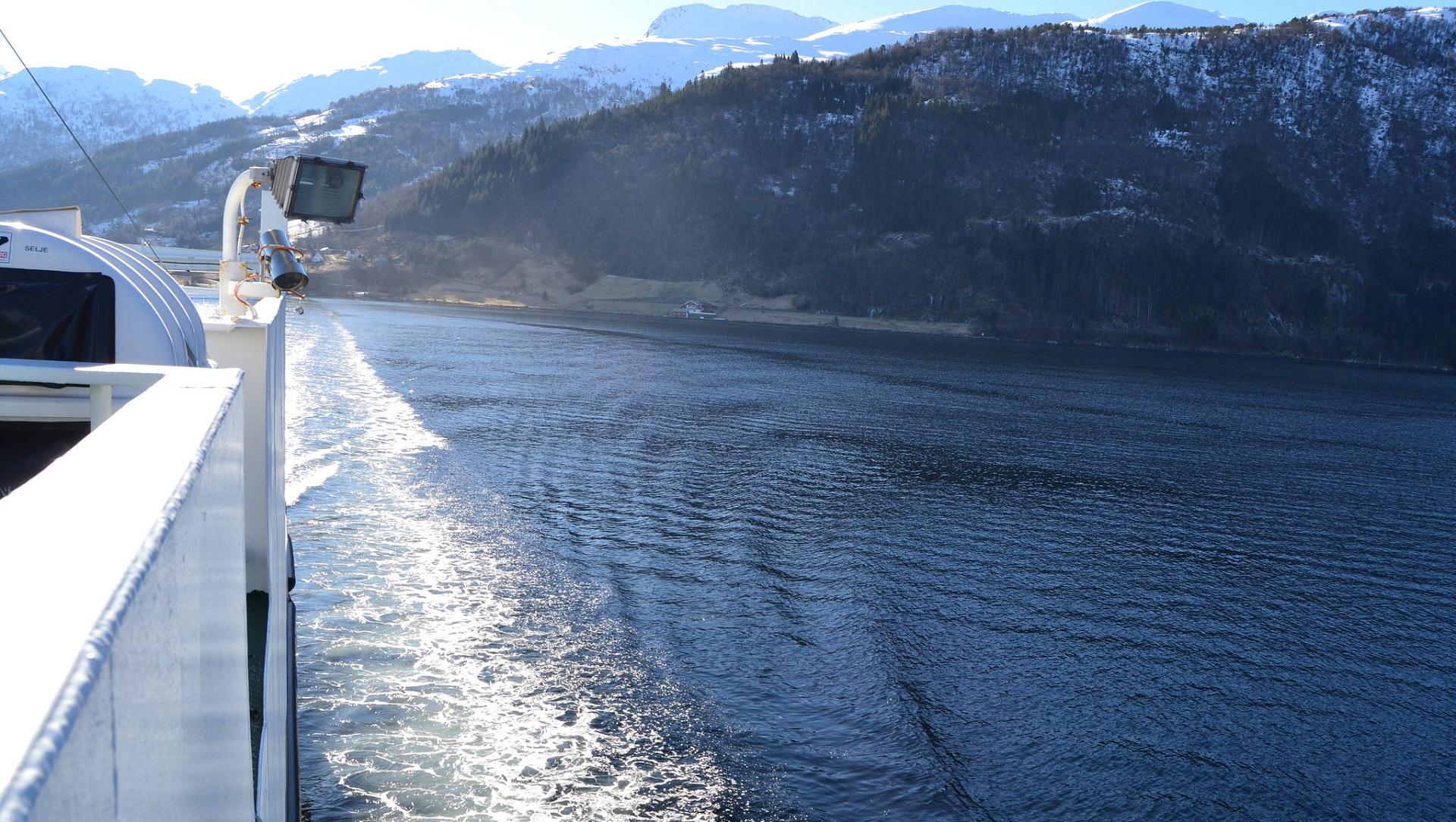 Este catamarán eléctrico tiene capacidad para 400 pasajeros