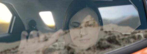 Una ventanilla inteligente hace que los ciegos puedan 'ver' en los viajes en coche