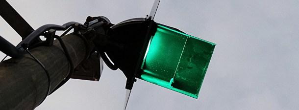 Estos semáforos inteligentes procuran que los pilles siempre en verde