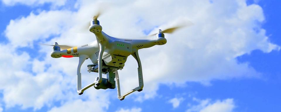 Crean el primer dron capaz de cambiar de forma en pleno de vuelo