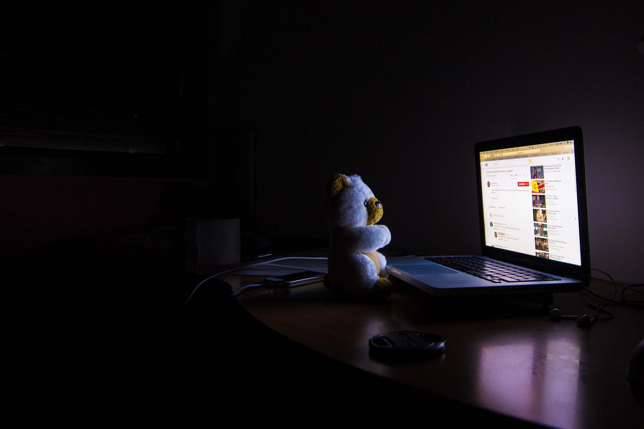 El modo noche o modo nocturno en tu navegador