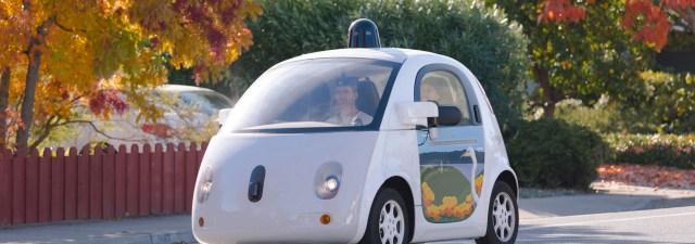 Waymo ha empezado a retirar a sus conductores de emergencia de sus coches autónomos
