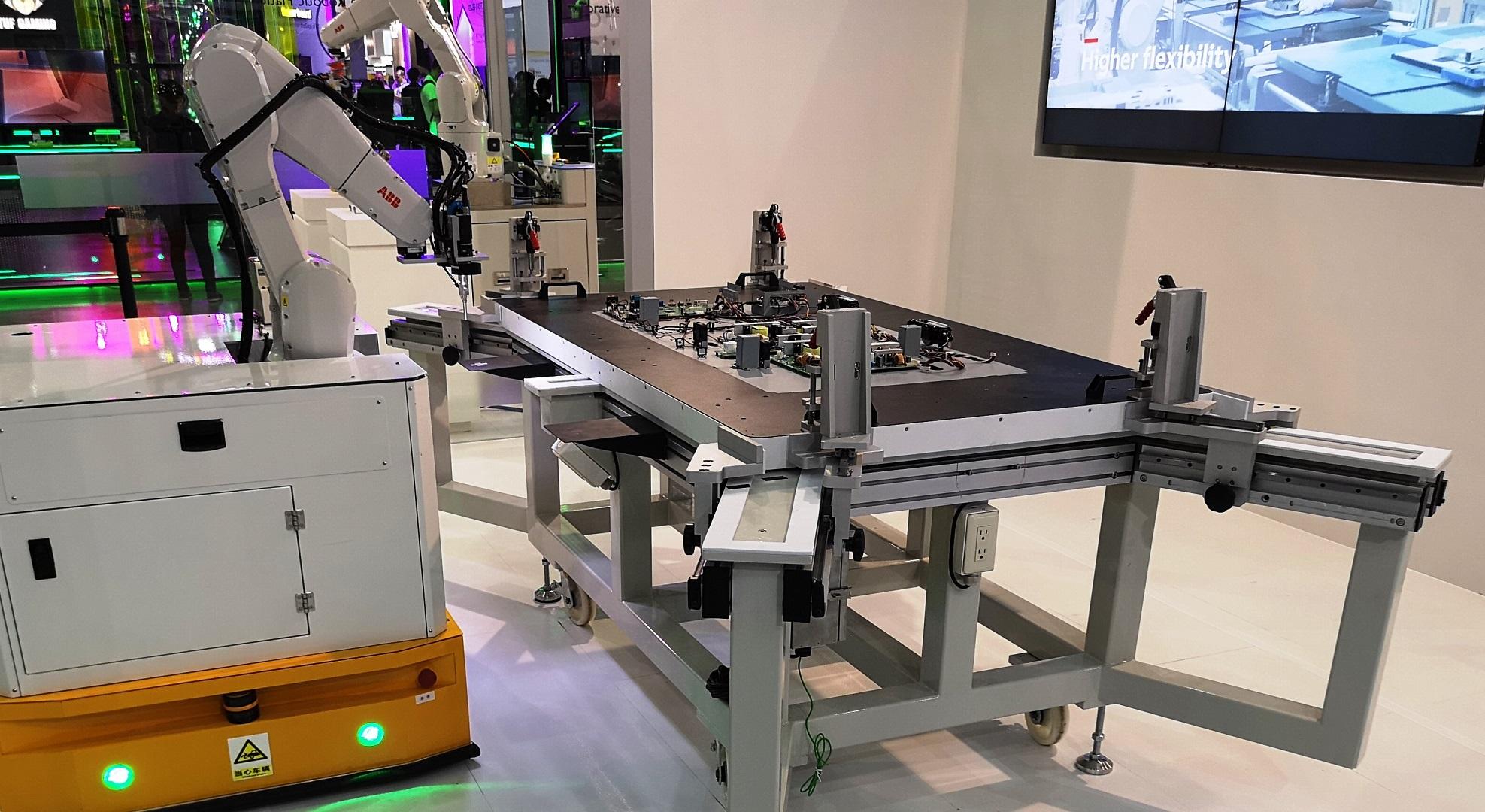 La inteligencia artificial creará tantos empleos como destruya