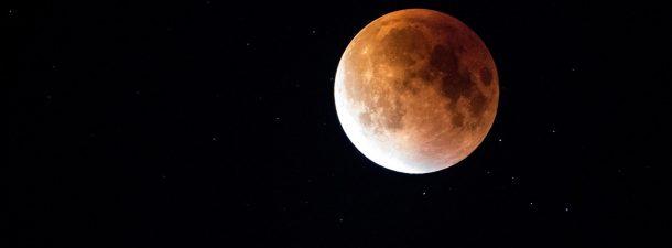 El eclipse lunar más largo del siglo: visible a simple vista durante casi dos horas