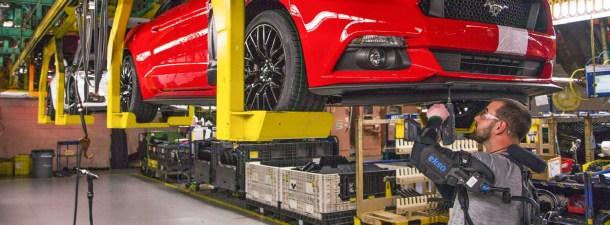 Ford comienza a usar exoesqueletos en sus fábricas