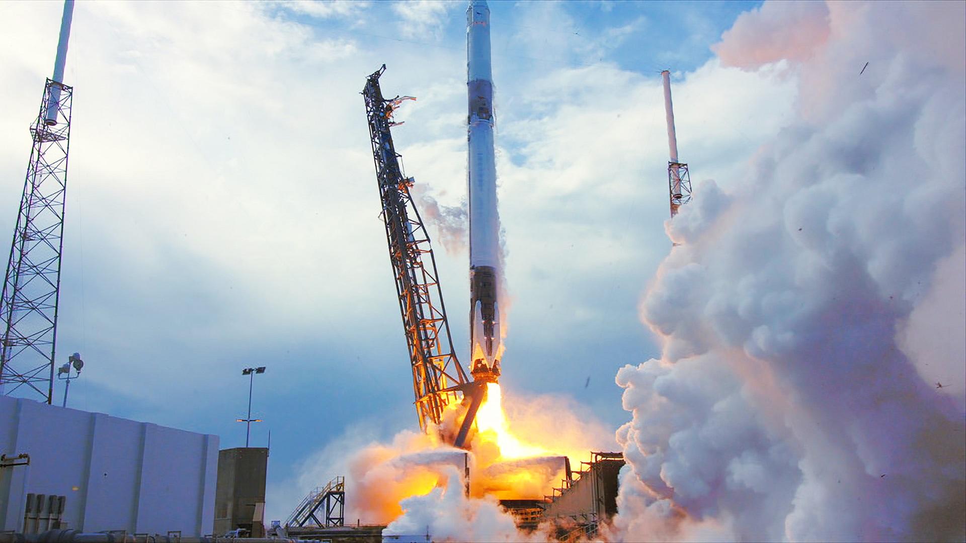 La NASA cree que SpaceX podrá llevar astronautas al espacio en 2019