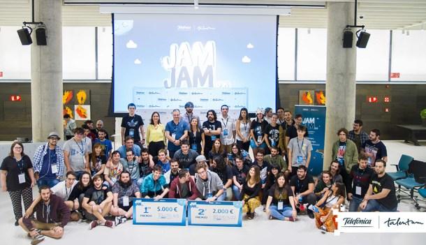 Game Jam foto texto grupo