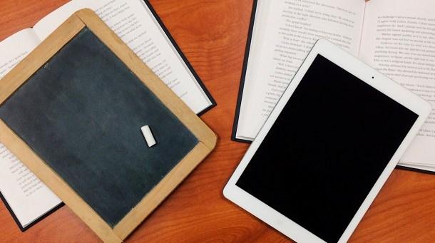 vuelta al cole tablet libro