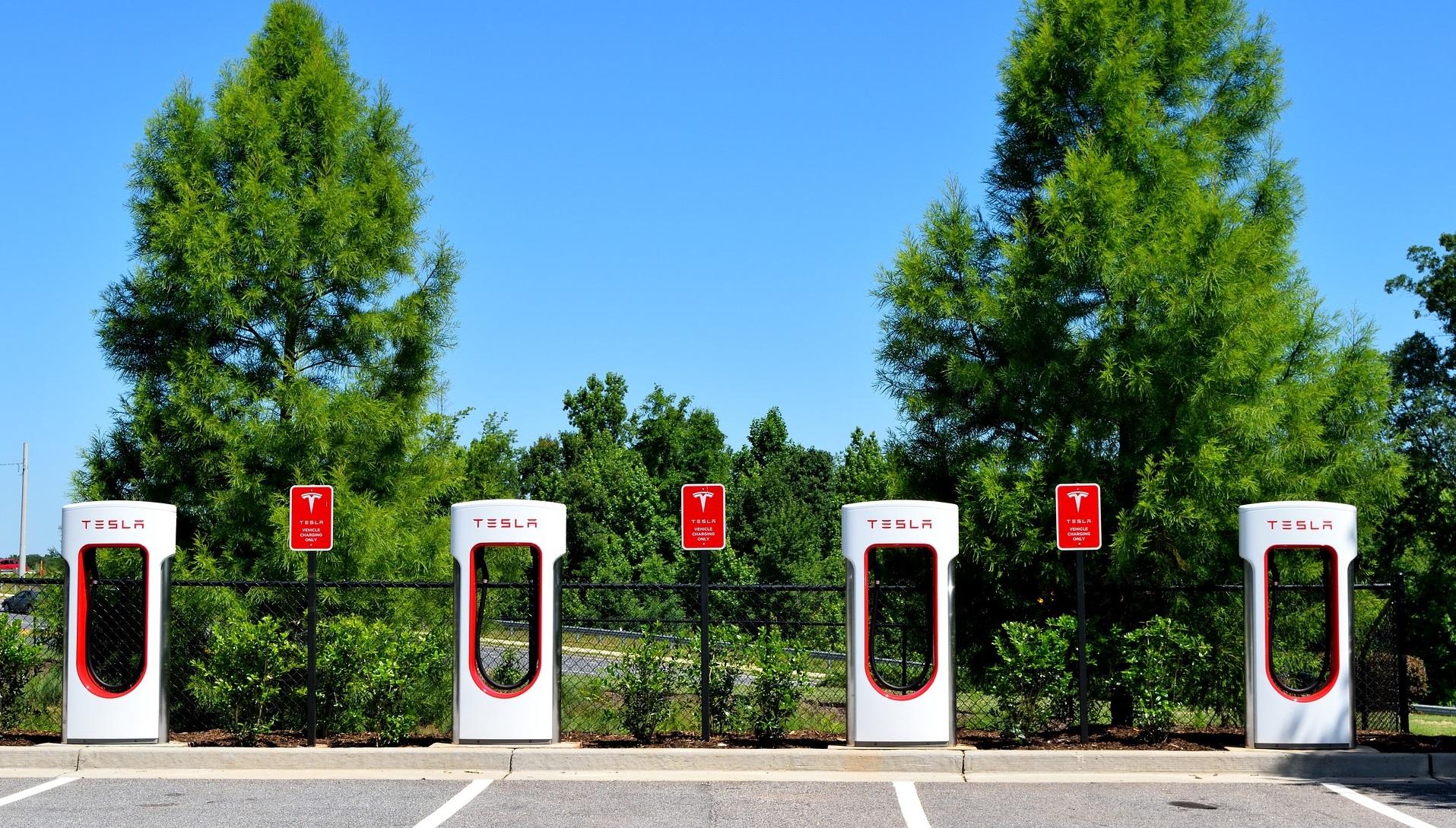 Las estaciones para cargar los coches eléctricos se podrán ver ahora con Google Maps