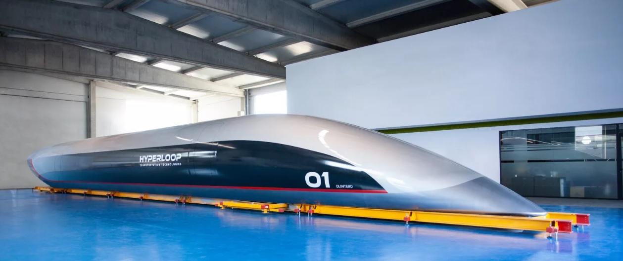 La primera cápsula real de Hyperloop llega a España