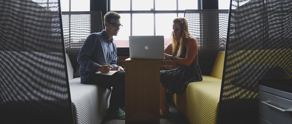 recursos humanos y datos grupo personas trabajando