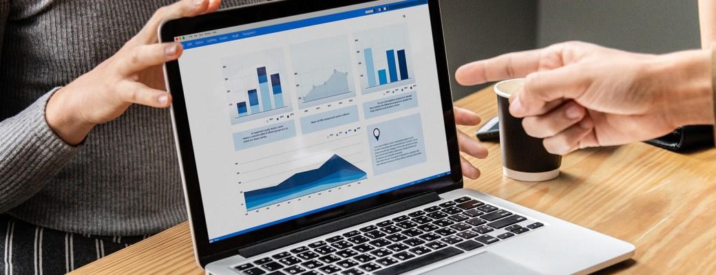 Big Data sin Misterios MOOC curso ordenador manos grafico trabajo datos