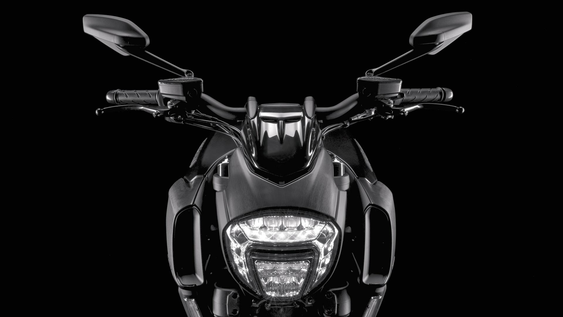 Ducati ya trabaja en su moto eléctrica