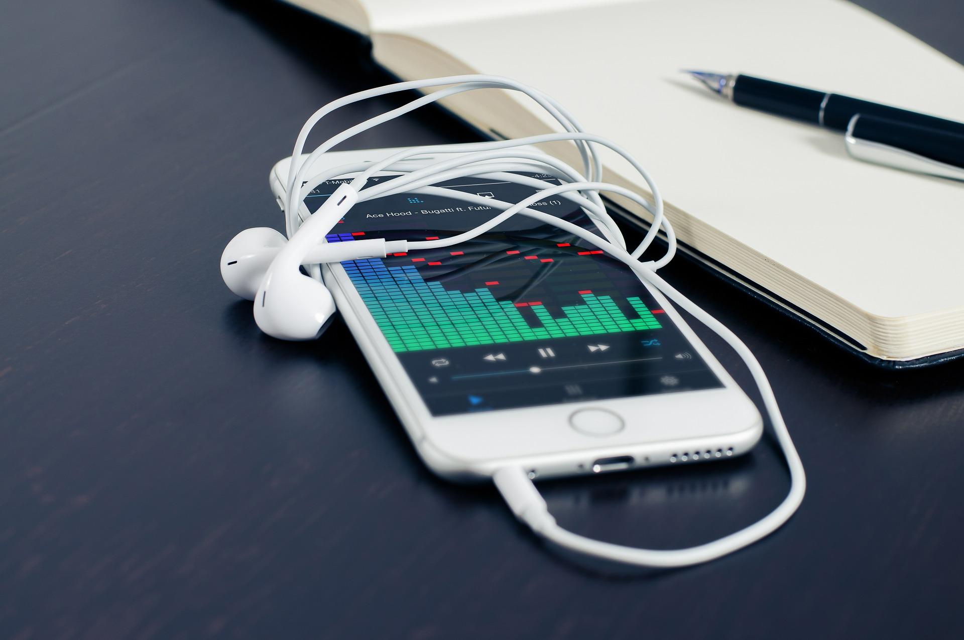 Tu menú musical con canciones de Spotify, YouTube y SoundCloud